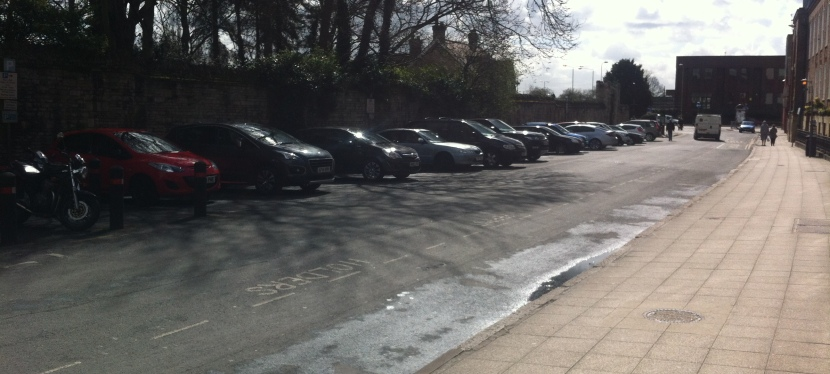 Here's why Councillors get a 96% car parking pass discount⁉️